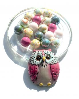 MyGlassMarbles - 1 Pink Owl Lucky Owl and its 20 Glass Marbles in different sizes by My GlassMarble